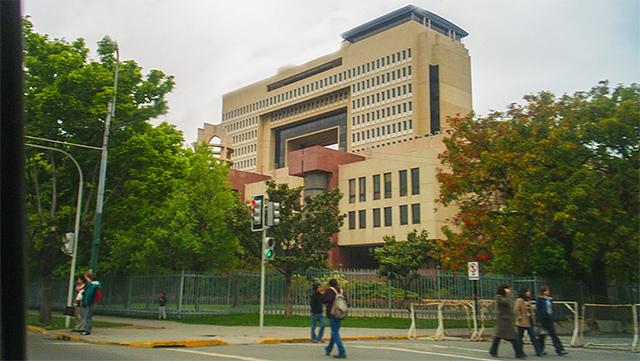 Instituciones de educación superior deben conocer nuevos criterios y estándares para acreditación