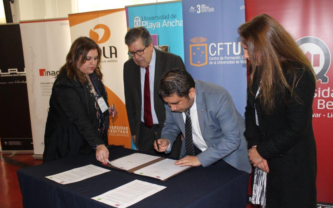 Universidades y gobierno trabajarán juntos contra el consumo de drogas