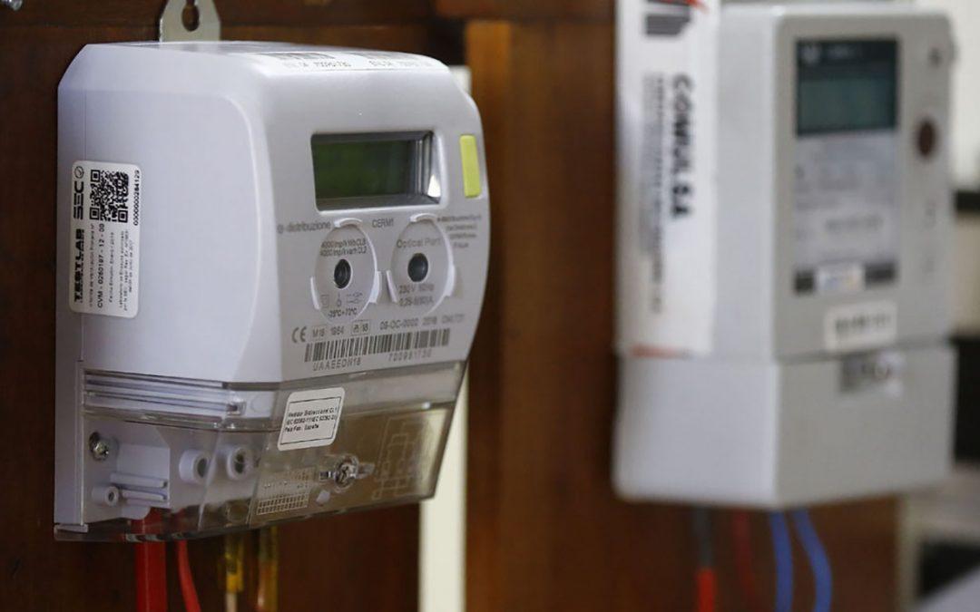 """""""Deberían obligar a las compañías eléctricas a dejar dos medidores para demostrar que miden lo mismo"""""""