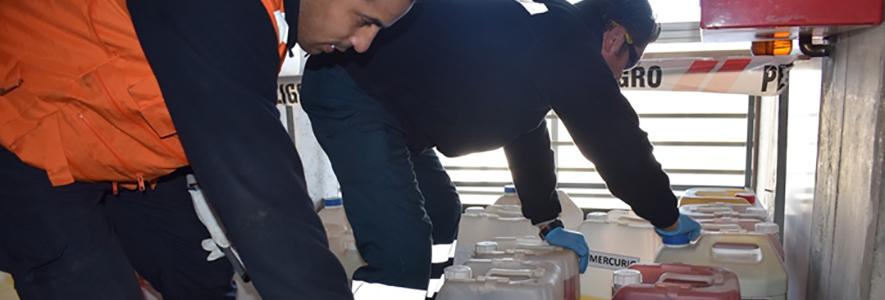 UPLA retira residuos peligrosos de Laboratorio de Servicios de Análisis