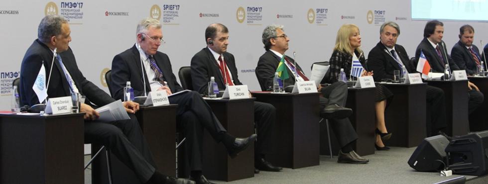 Docente del Instituto Tecnológico UPLA participó en Foro Económico Internacional de San Petersburgo