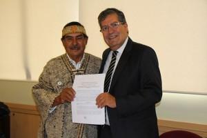 Firma convenio UPLA- Caciques 7