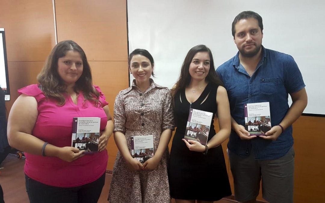 Estudiantes del campus San Felipe exponen en encuentro de tesistas y publicaron en un libro