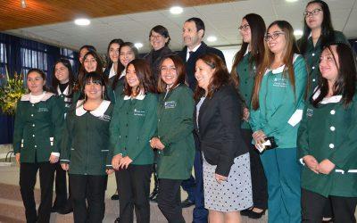 Emotiva ceremonia de investidura de estudiantes de Educación Parvularia del campus San Felipe